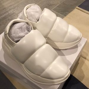 Zucca. New in box. White shoes